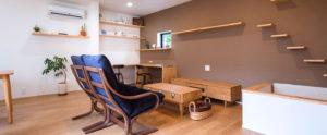 建物の中央に設備を集めて、周りを解放した遊び心あるプラン。行橋、苅田でコンパクトな平屋作りなら、ヤスナグデザインホーム株式会社にお任せ。