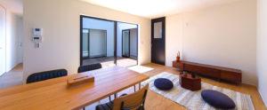 周りの家から視線を気にせず生活することができる、パッシブデザインbe-plusのお家。福岡でおすすめ平屋デザイン。
